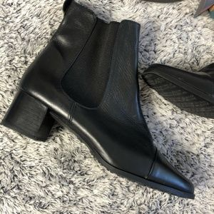 Kenneth Cole Reaction Black Leather Ankle Booties